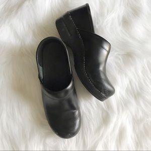 DANSKO Black Leather Clogs SIZE 39 9